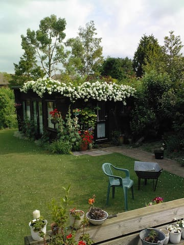 Very pretty garden house. - Cambridge - Kabin