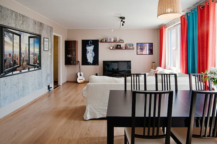 Beautifully decorated and cozy - Solna - Apartemen