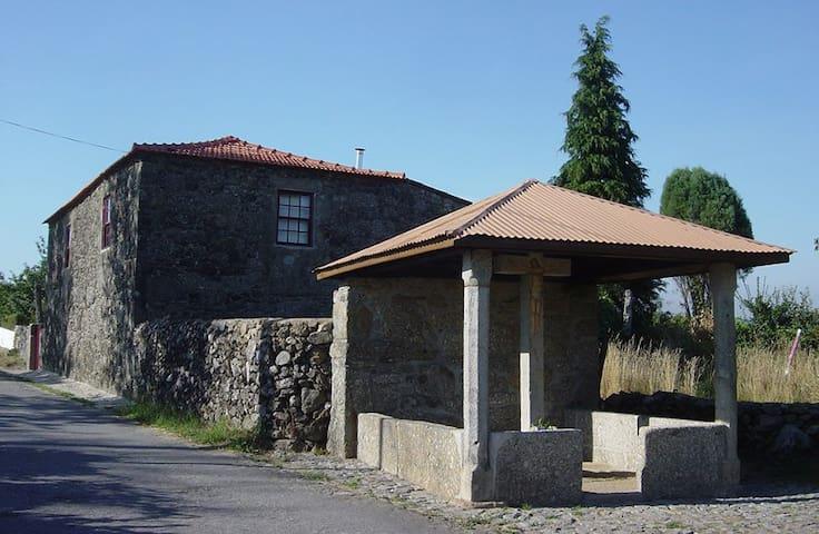 Casa do Cruzeiro - 200 anos de vida - Paredes de Coura