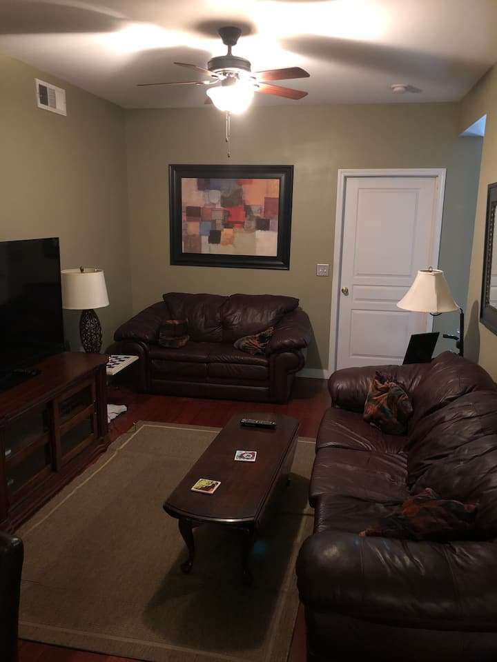 Cozy apartment in the heart of downtown and UAB