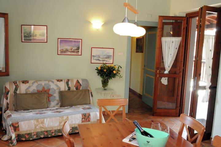Modernes Apartment in Monticelli Brusati mit Pool