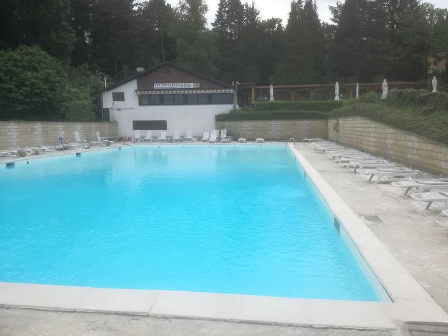 Pool/ Schwimmbad (Kostenfrei)