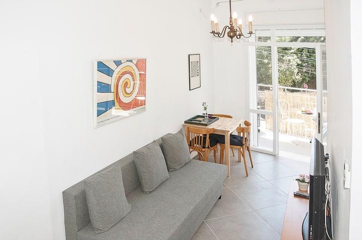 CARMEL - gorgeous designed apartment - Haifa