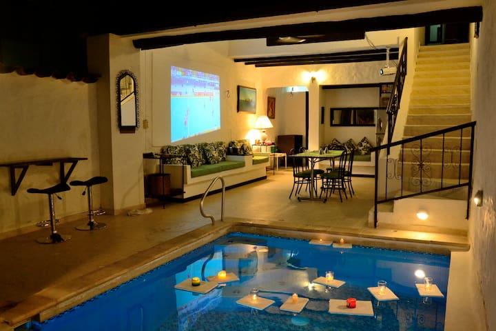 Casa Melgar piscina privada 7-9 per - Melgar - House