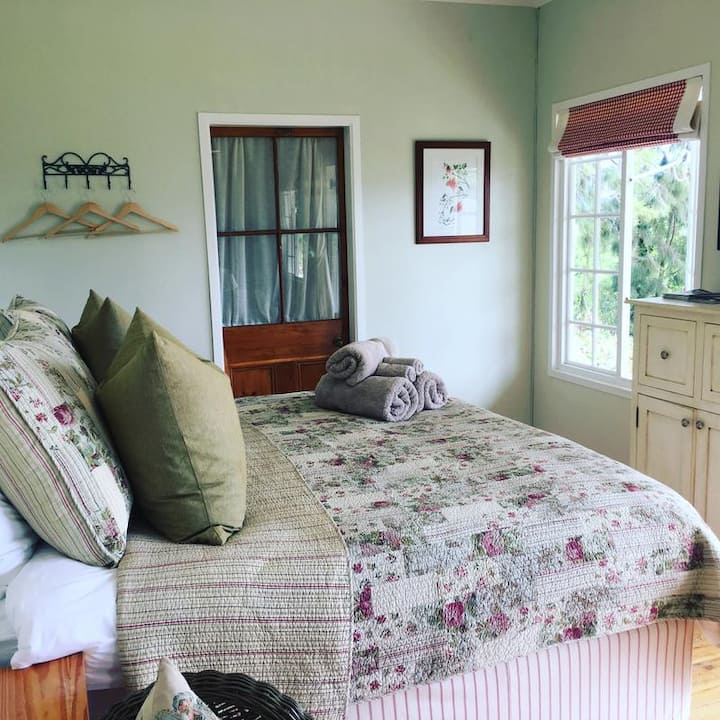 Cosy Cottage on an Apple Farm in Elgin Valley