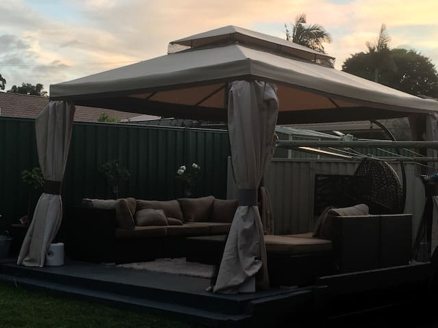 Queen room and single room in house - Bald Hills - Dom