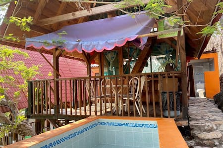 Cabaña La Güilota, pila de agua termal