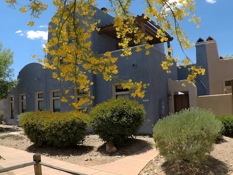 Luxurious Tubac Townhouse w/Recliner Den