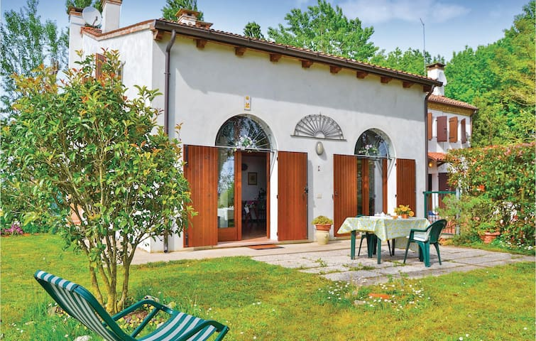 Holiday apartment with 1 bedroom on 55m² in Torre di Mosto VE