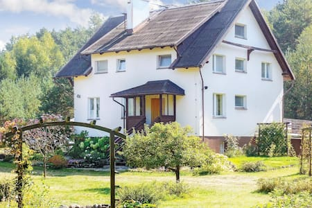 Holiday cottage with 4 bedrooms on 200m² in Dziemiany