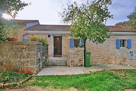 Casa Majkusi - cottage - Poreč