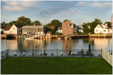 Charming Waterfront Retreat, Entire House
