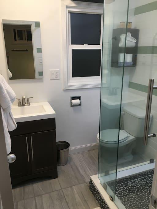 Brand new remodeled bathroom <3