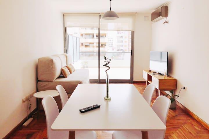 Living room, cómodo, amplio, luminoso!