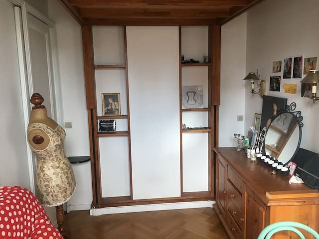 Charmant studio idéalement situé - ปารีส - อพาร์ทเมนท์