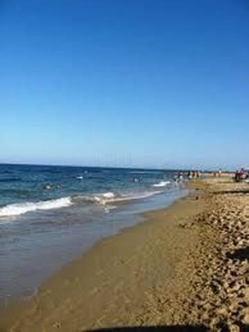 Playa Carabassi. Una de las mejores playas de la zona.