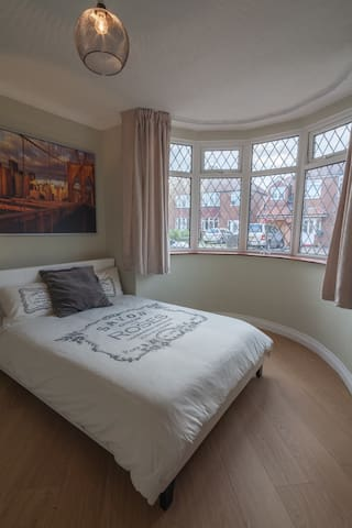 Double room close to city centre & the university