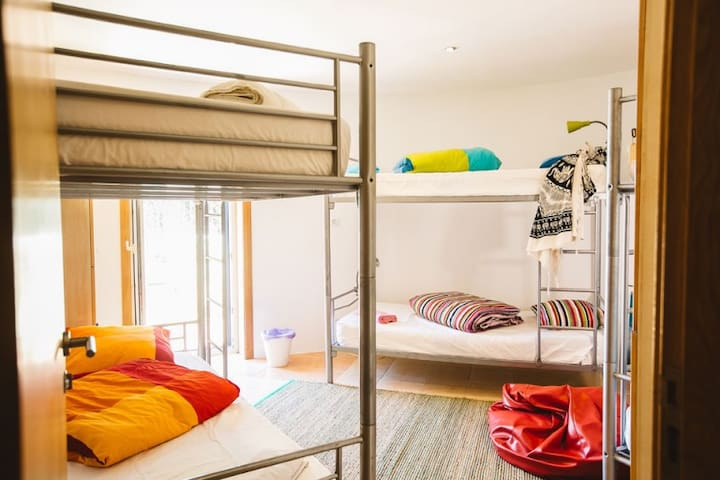 Thaya- 6 Bed Dorm