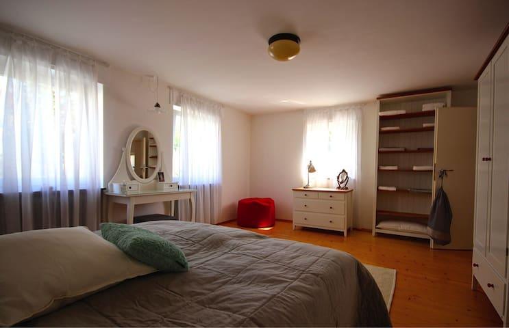 Altes Haus zum Wohlfühlen, Parterre - Usingen - Lägenhet