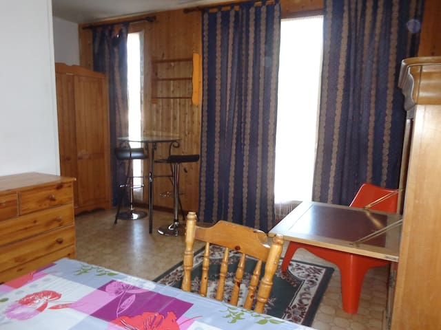 appartement centre ville Briey - Briey - Leilighet
