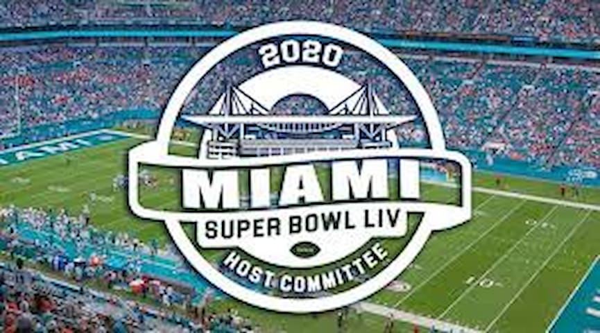 SUPER BOWL 29 MINUTES AWAY Beautiful house 2 room.