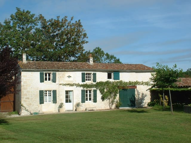 River cottage Ferme de La Baine - Chaniers - Rumah