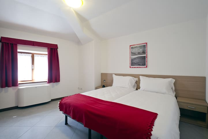 Il Seicento bike and bicycle Hostel - Sernio - Appartement