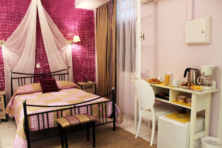 Comfort Double room (Pension Filyra) - Nafplio - Bed & Breakfast