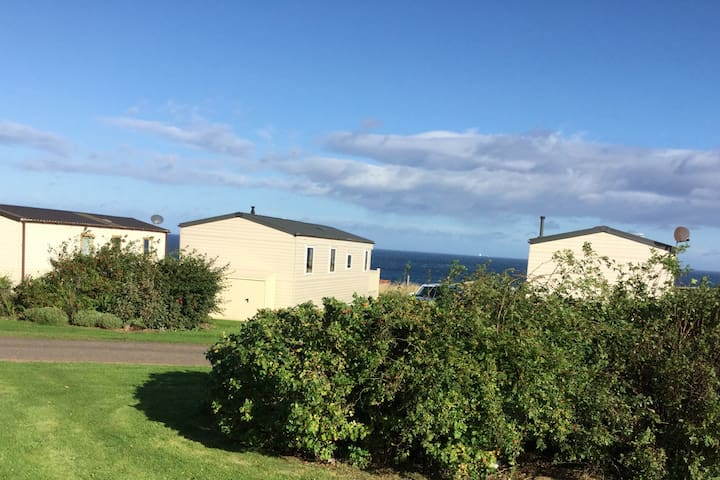 Eyemouth sleeps 8 caravan cosy. Amazing sea views - Eyemouth - Outro