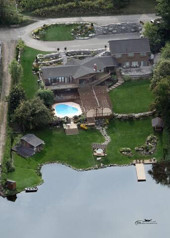 Private & serene lakefront cottage - Selwyn - Chalet