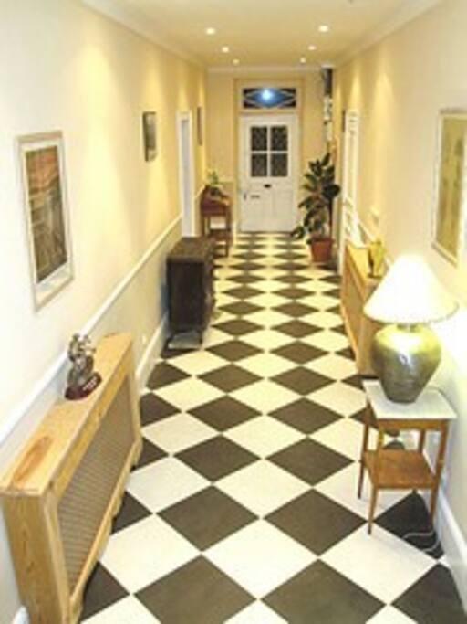 Hallway/Couloir