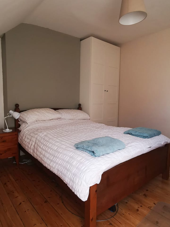 Double Room in Family House, West London