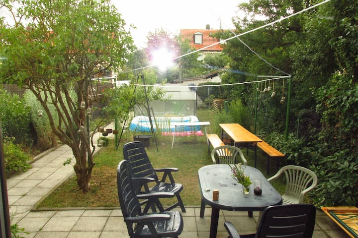 Gemütliches Häuschen in Gartenstadt - Würzburg - Talo