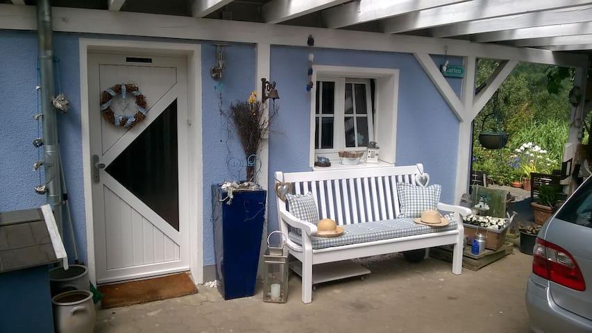 Das blaue Haus - Engelskirchen - Casa
