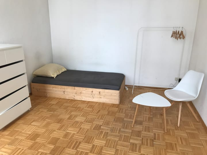 Cozy room in Berlin Moabit in a shared flat
