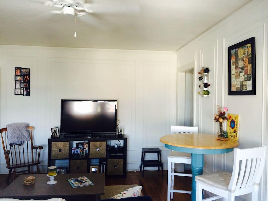 1 Bedroom 1 Bath Sleeper Sofa Apt Flats For Rent In Philadelphia Pennsylvania United States