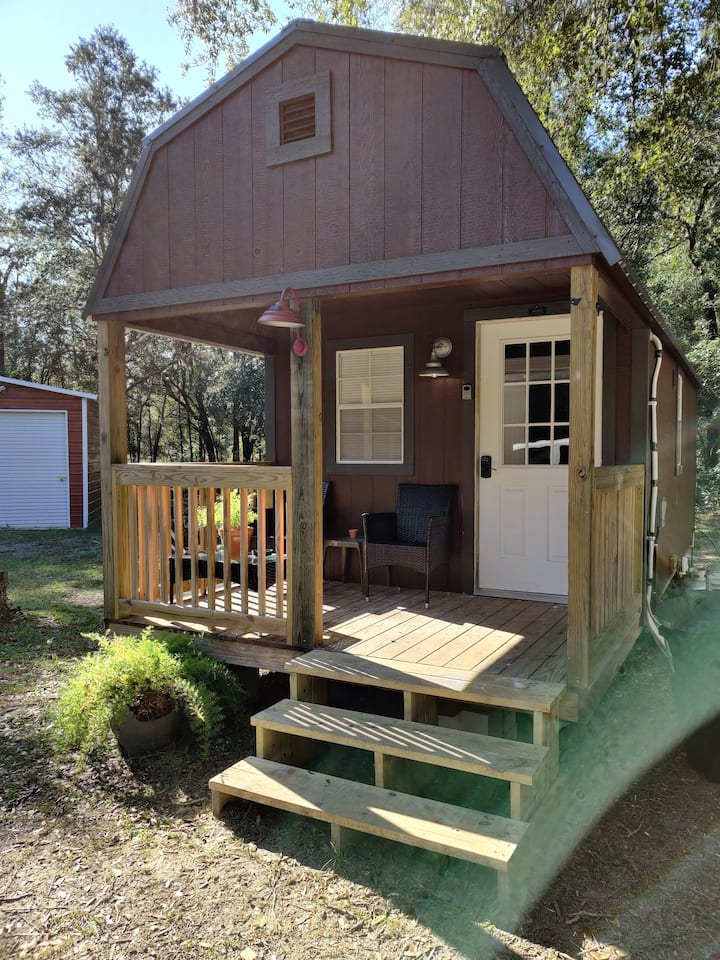 Tiny Cabin Brand NEW , in country on 2 Acres!