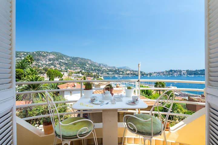 Charming flat, balcony, sea view