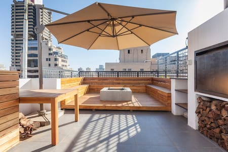 Huge Penthouse with rooftop Jaccuzi, pool and deck - Johannesburg - Appartement