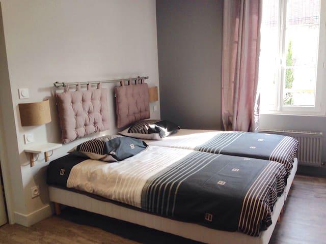 Chambre avec 2 lits 90x200