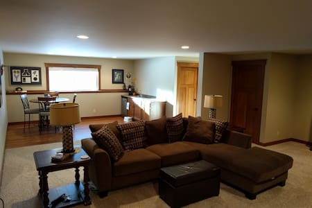 Family friendly basement suite w/ hiking trails