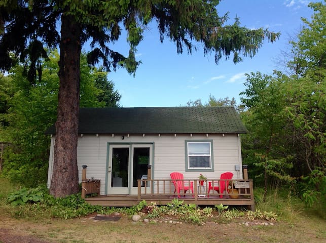 Cozy Lake View Cabin - Bayfield - Cabaña