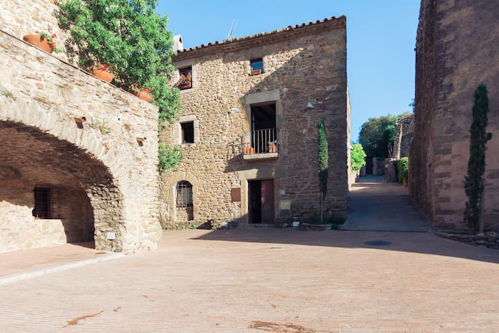 Cozy house, heart of Empordà, 8 pax - Monells - Rumah