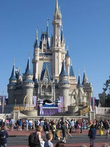 Have fun, create memories. Only 15 mins 2 Disney!! - Divertirse, crear recuerdos. A sólo 15 minutos de Disney 2 !!