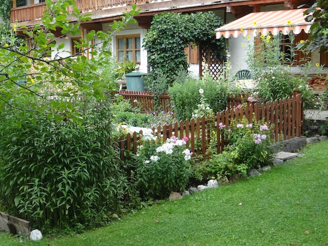B&B Binderschuster Family room Salzburgerland - Unken - Bed & Breakfast