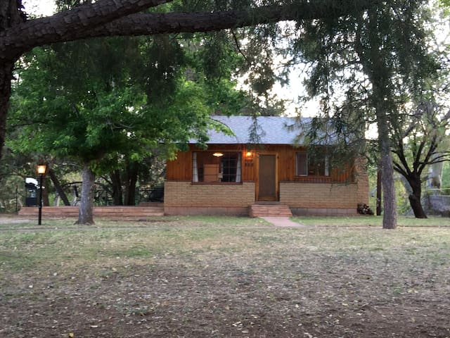 Cozy cabin on East Verde River - Payson - Cabane