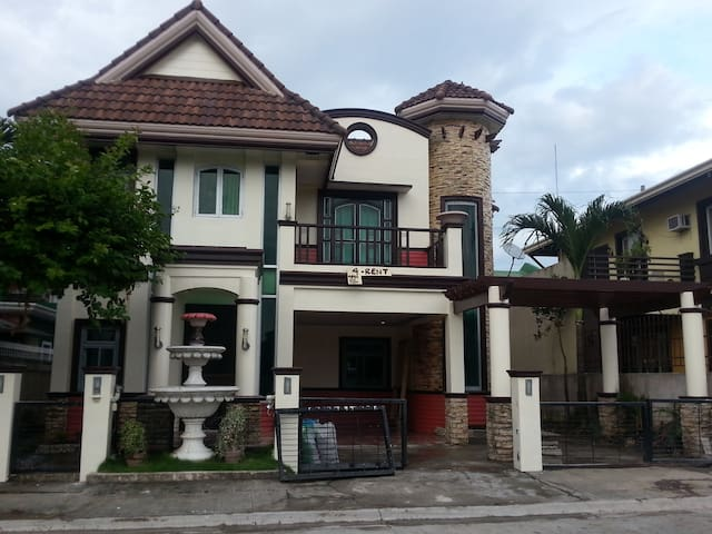 2 Storey House - 4 Bedrooms LongTerm min 1 year