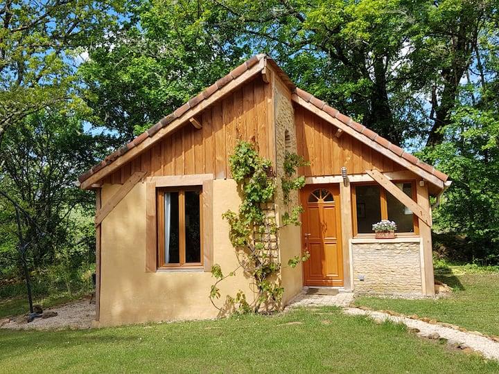 Gite Verveine,  La petit maison dans la chênaie