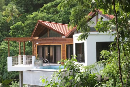 Serrana Villa - Brand New,Close to Everything! Wow - Soufriere - Dom