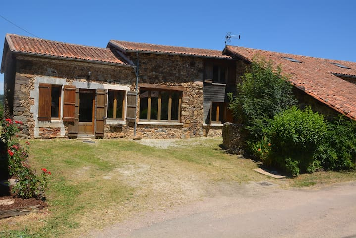 Superbe  maison en pierres/Dordogne/piscine